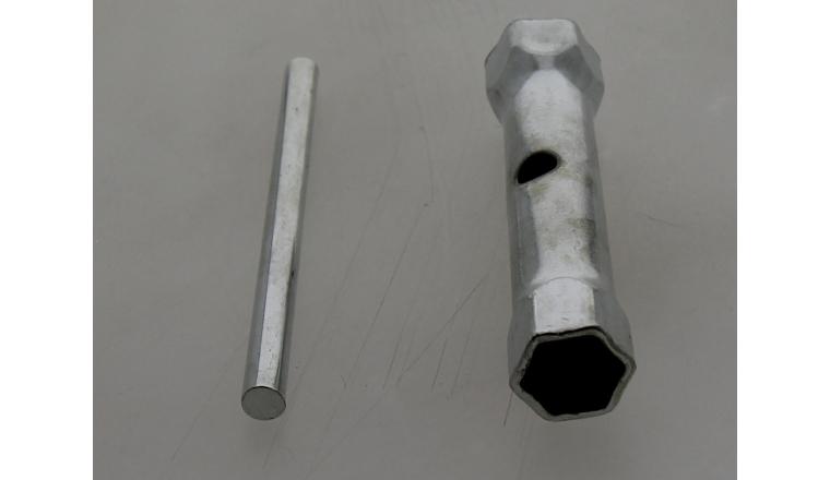 Clé à bougie d\'allumage 16x19mm à tube