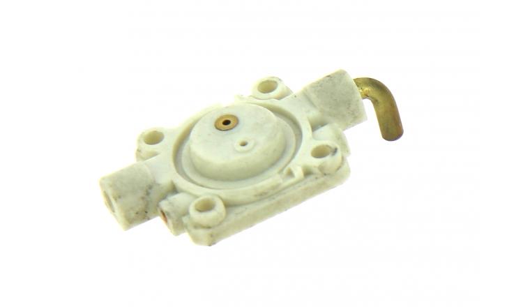 Bride de Carburateur pour machine thermique Stihl - Ref 4140-120-2250