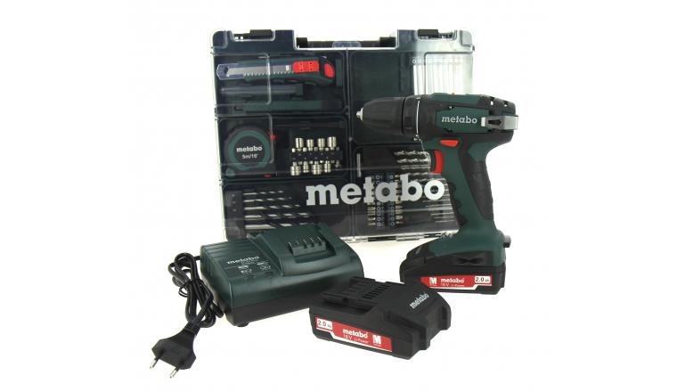 Perceuse Visseuse BS 18 Set avec Chargeur et 2 batteries 2.0 Ah et 74 Accessoires