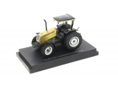 Tracteur Valtra A850 Gold Edition échelle 1/32 UH4011
