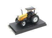 Tracteur Valtra A750 échelle 1/32 UH 2970
