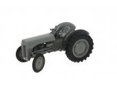 Tracteur Massey Ferguson TE-20  échelle 1/16 Universal Hobbies